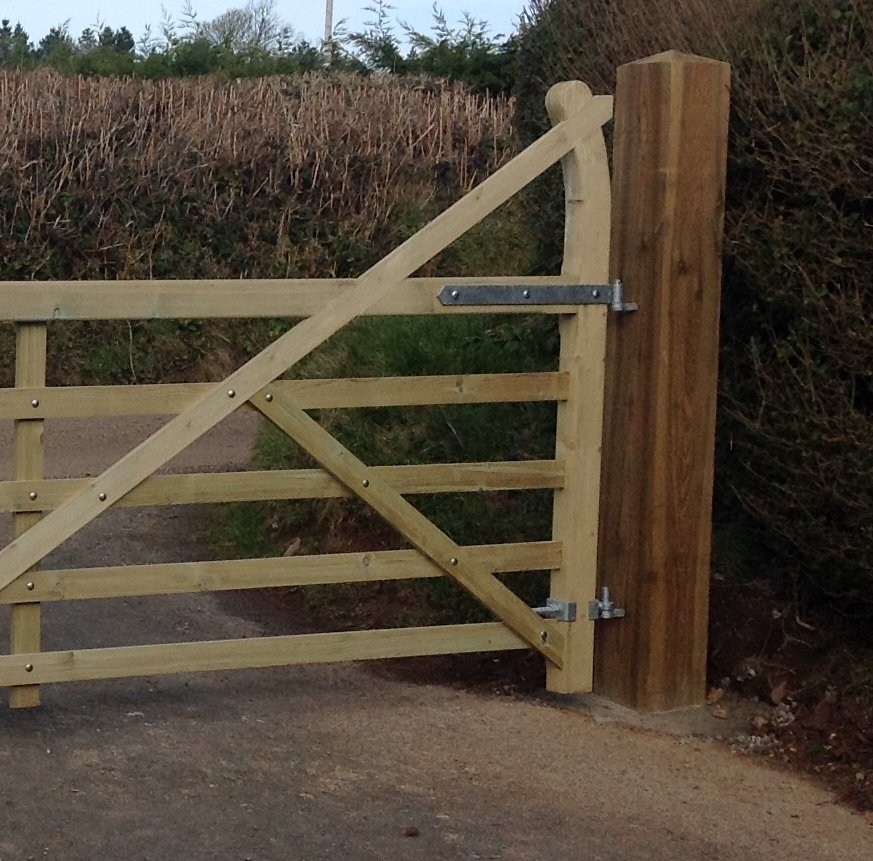 """GALVANISED or BLACK FIELDGATE HOOK TO BOLT 11/"""" OR 13/"""" FARM GATE FIXING"""