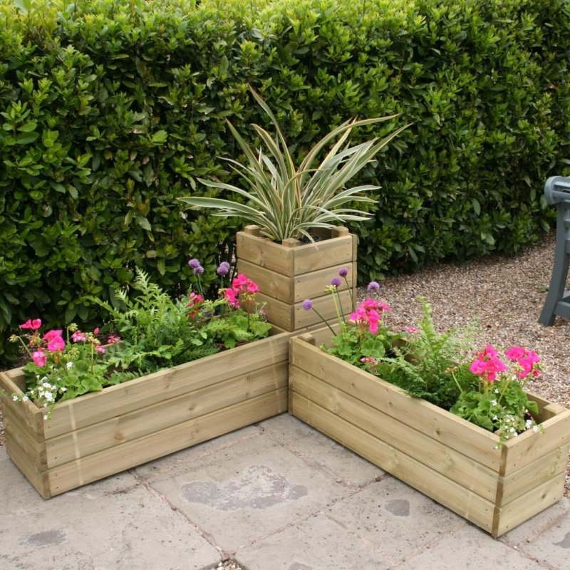 Hutton Corner Planter is a flexible option for a corner of any garden