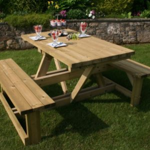 Hutton Ashby Picnic Table