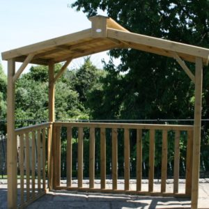 Huttons Purley Shelter provides covered space for garden entertaining